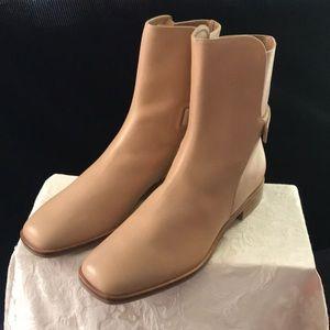 NWOT Beige Via Spiga ankle boots size 7.5